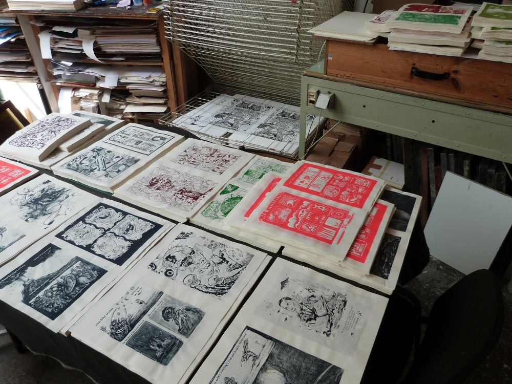 ALKOM'X 9-10diy silkscreened ziner from France.